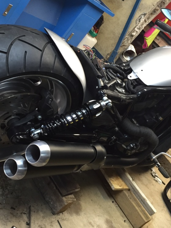 embout d'échappement version BULLET by Run Iron Works pour vrod nrs