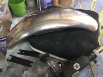 Fabrication garde boue moto custom pièce de moto réunion