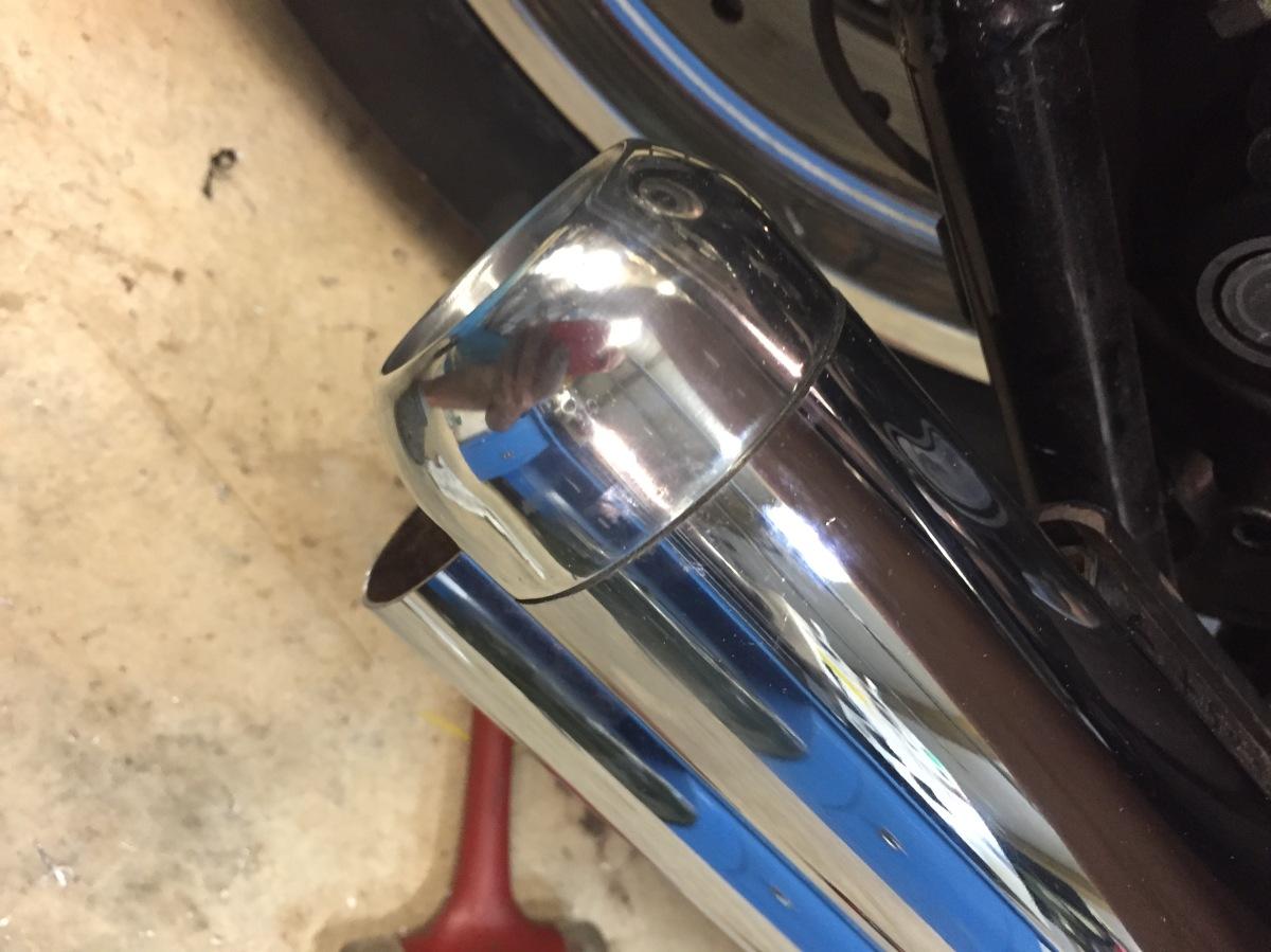 embout d'échappement Harley Davidson softail sur mesure aluminium poli