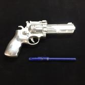pistolet en fonte d'aluminium, objet ornementale par Run Iron Works