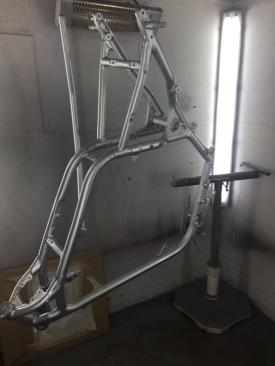 Peinture cadre et moteur moto customisation run iron works réunion